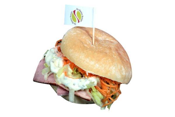 Sandwich au four avec jambon à l'os - De kleine Bassin